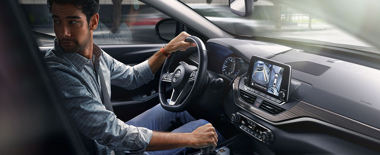 Take Command in the 2019 Nissan Altima!