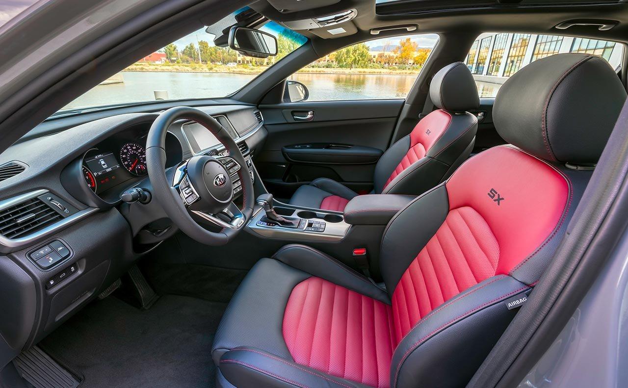 2019 Kia Optima Front Seats and Console