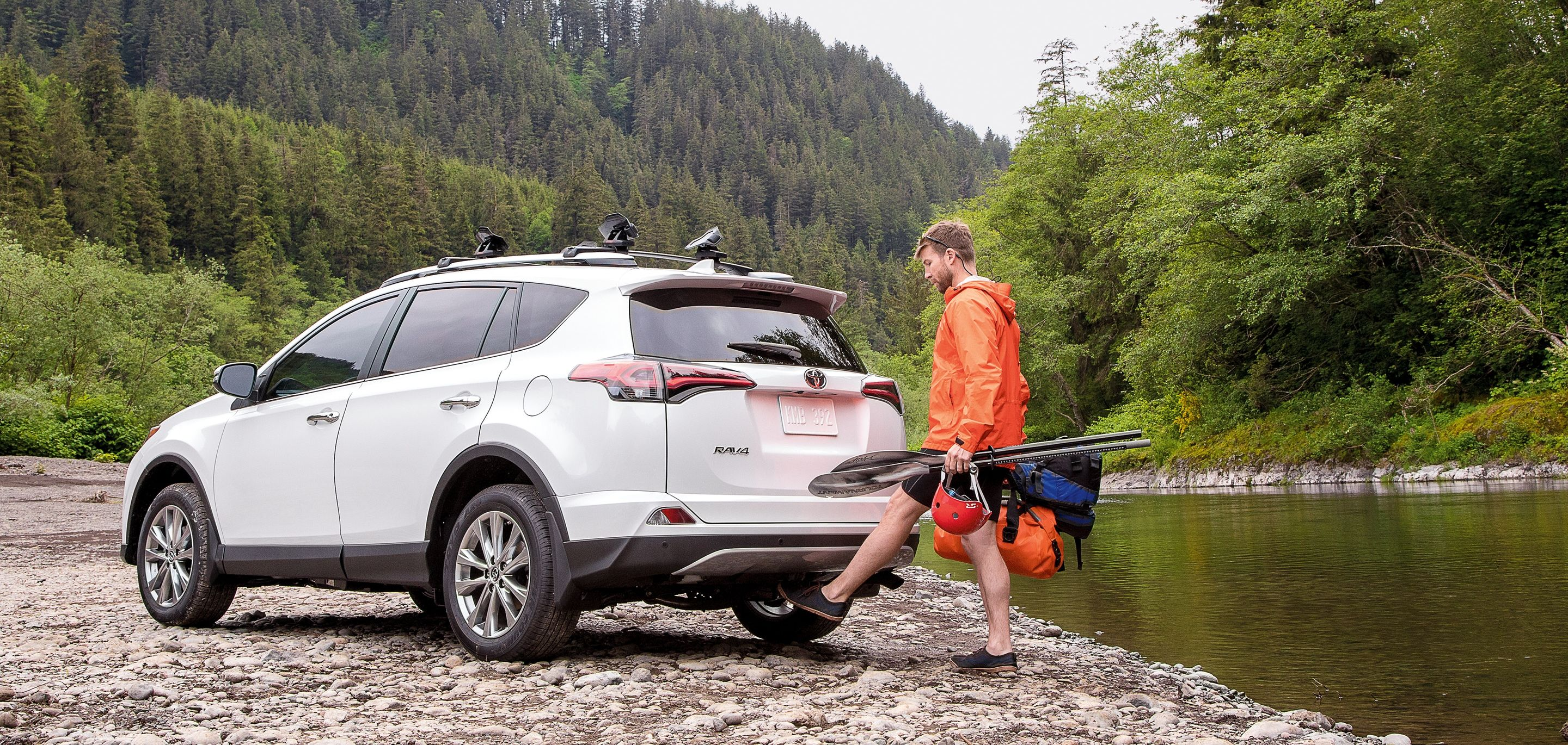 Open the RAV4's Rear Liftgate Hands-Free!