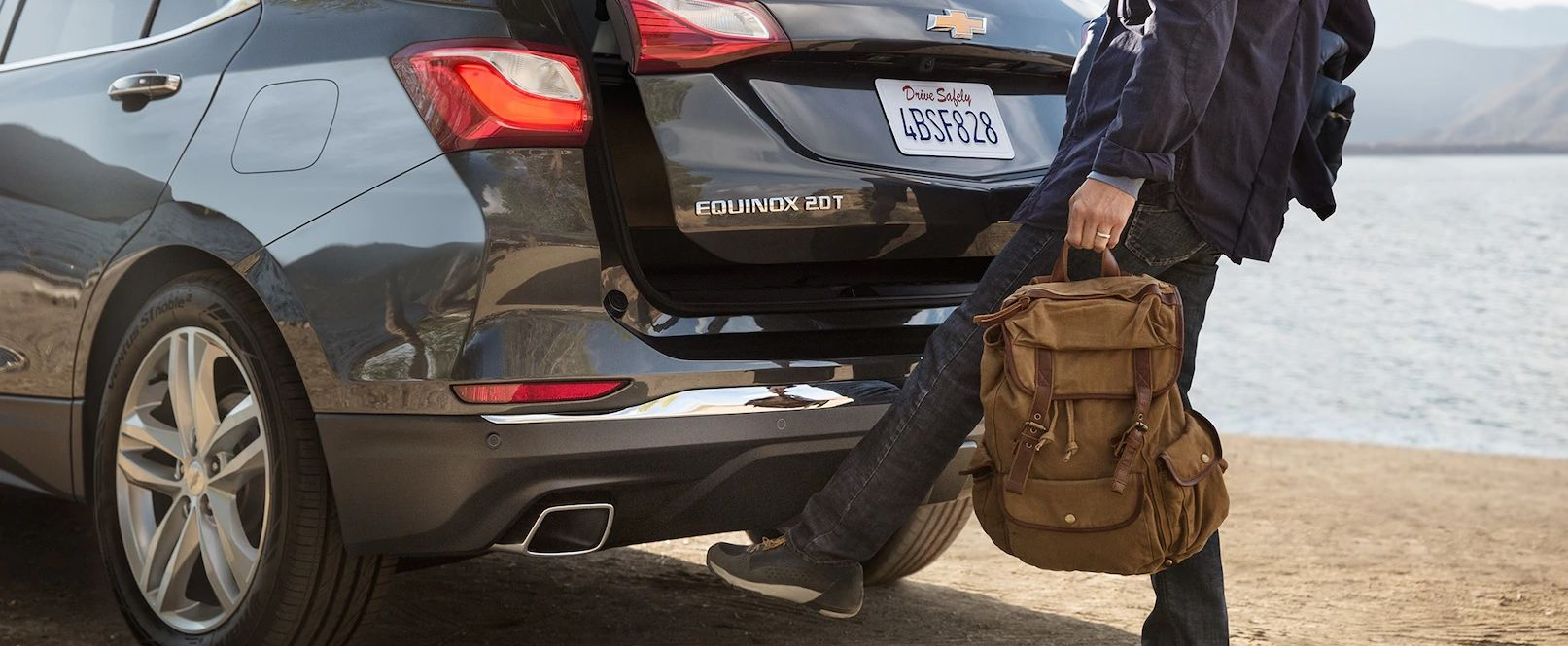 Open the Equinox's Liftgate with a Wave of Your Foot!