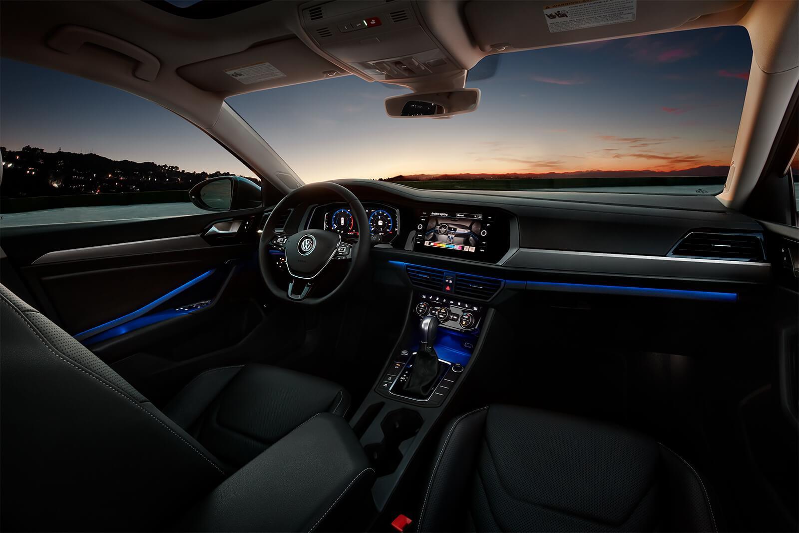 Las luces interiores ambientales del Volkswagen Jetta 2019