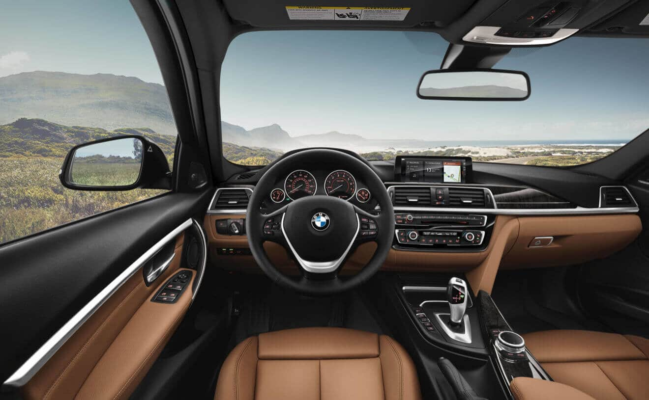 Interior of the 2018 BMW 3 Series