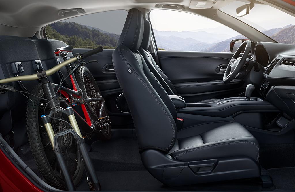 Los asientos de la segunda fila ajustables del Honda HR-V 2019 Touring