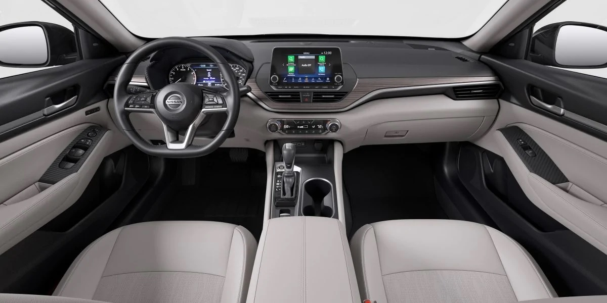 2019 Nissan Altima Front-Row Seating