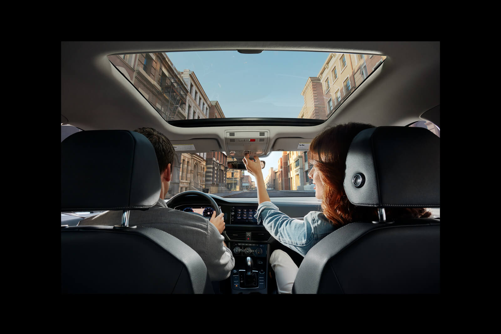 El techo corredizo opcional del Volkswagen Jetta 2019