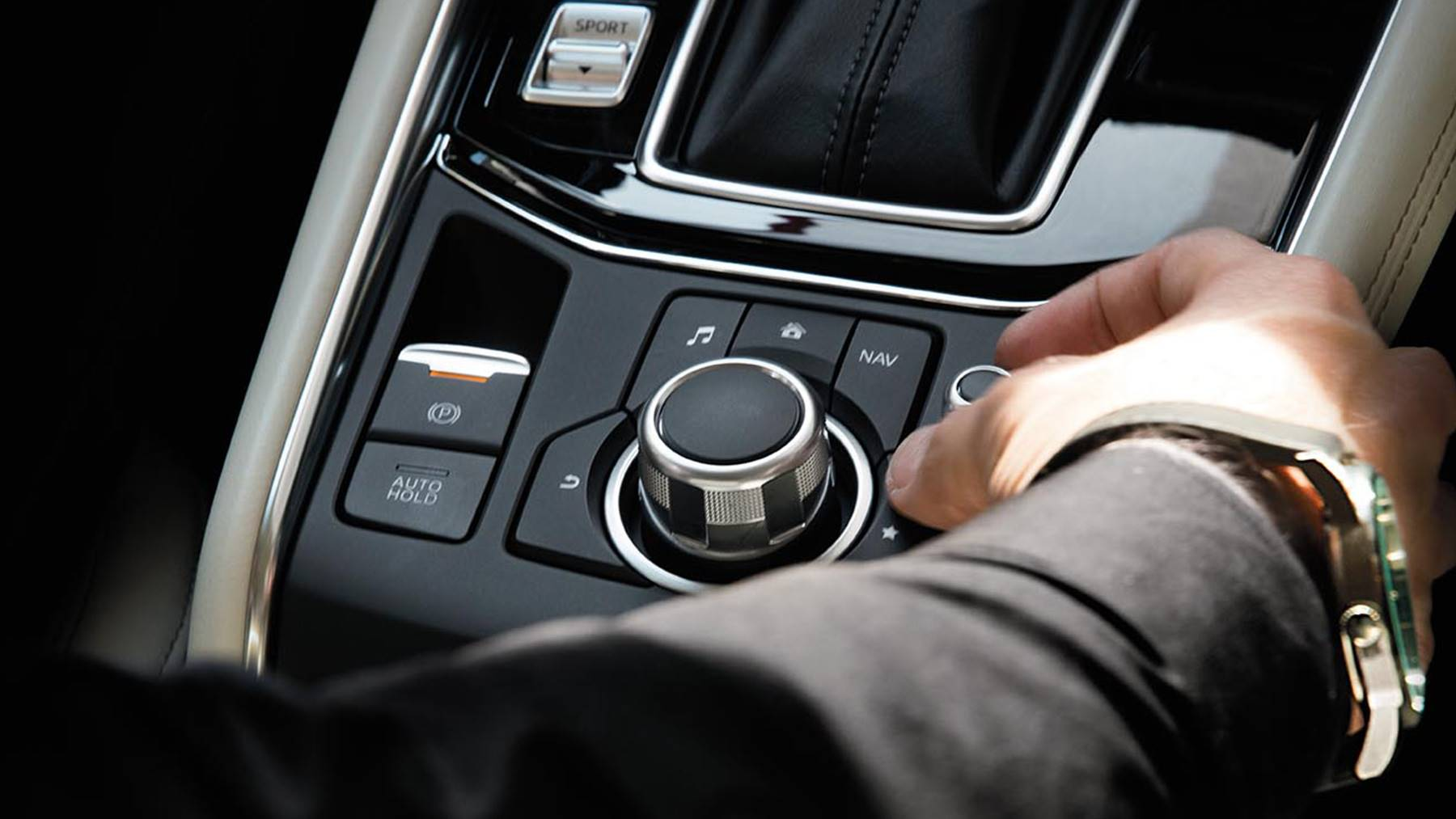 Conveniently Control Your Technology As You Cruise in the Mazda CX-5!