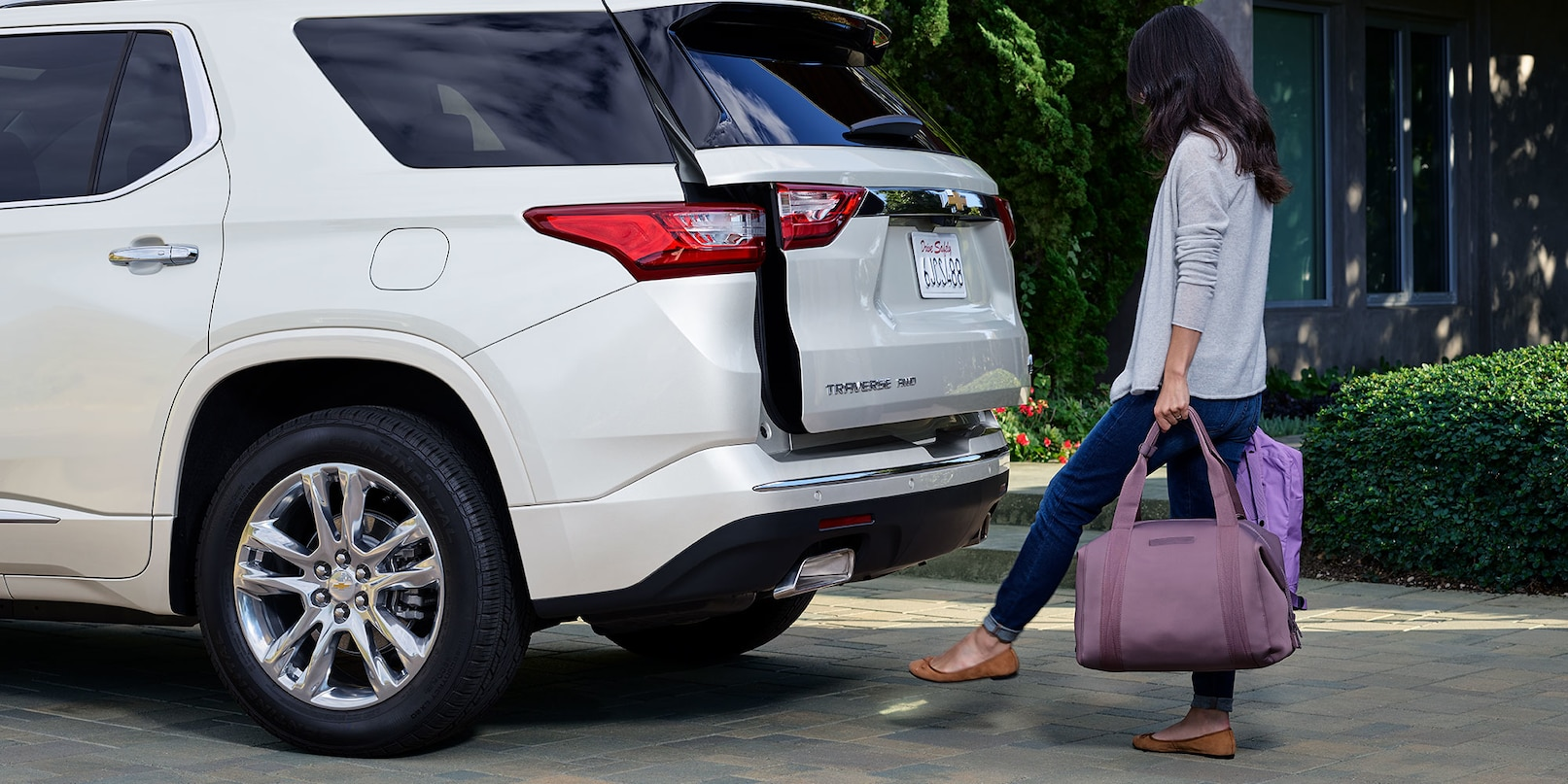 Power Liftgate in the Traverse