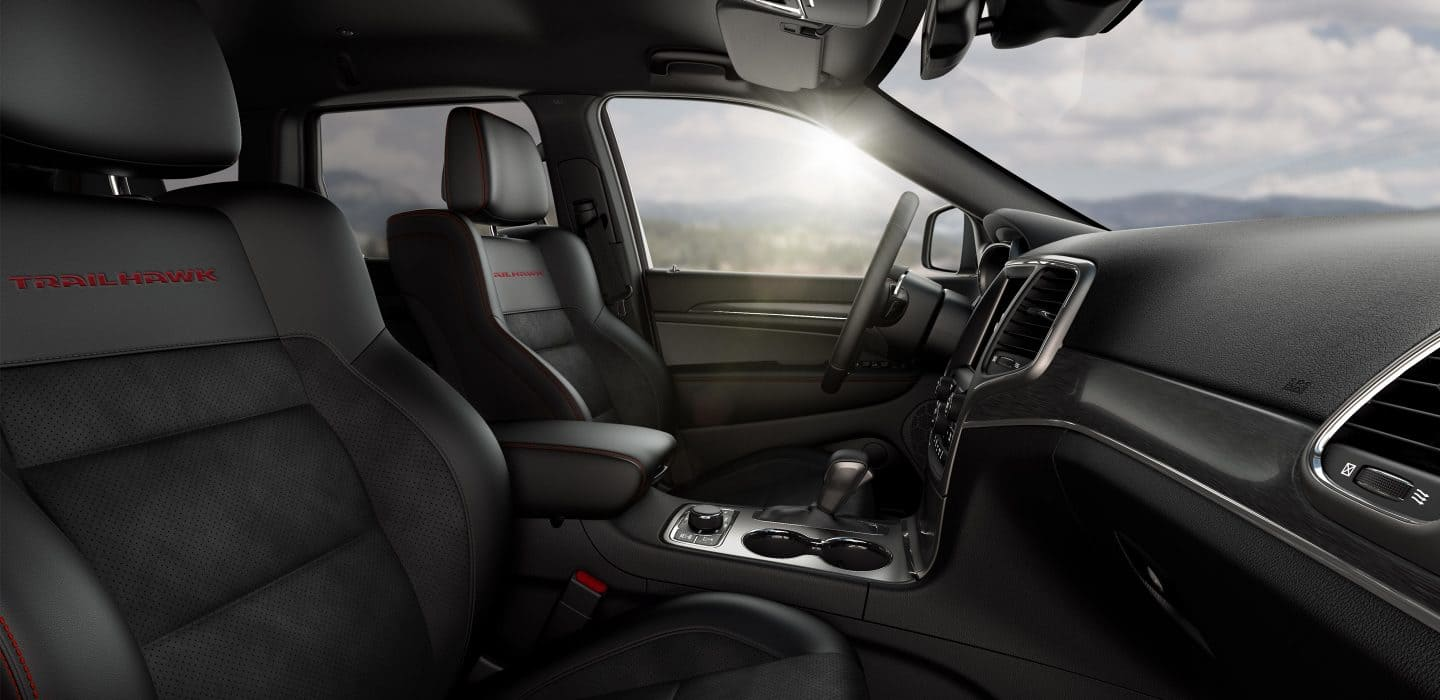 Luxurious Cabin of the Jeep Grand Cherokee