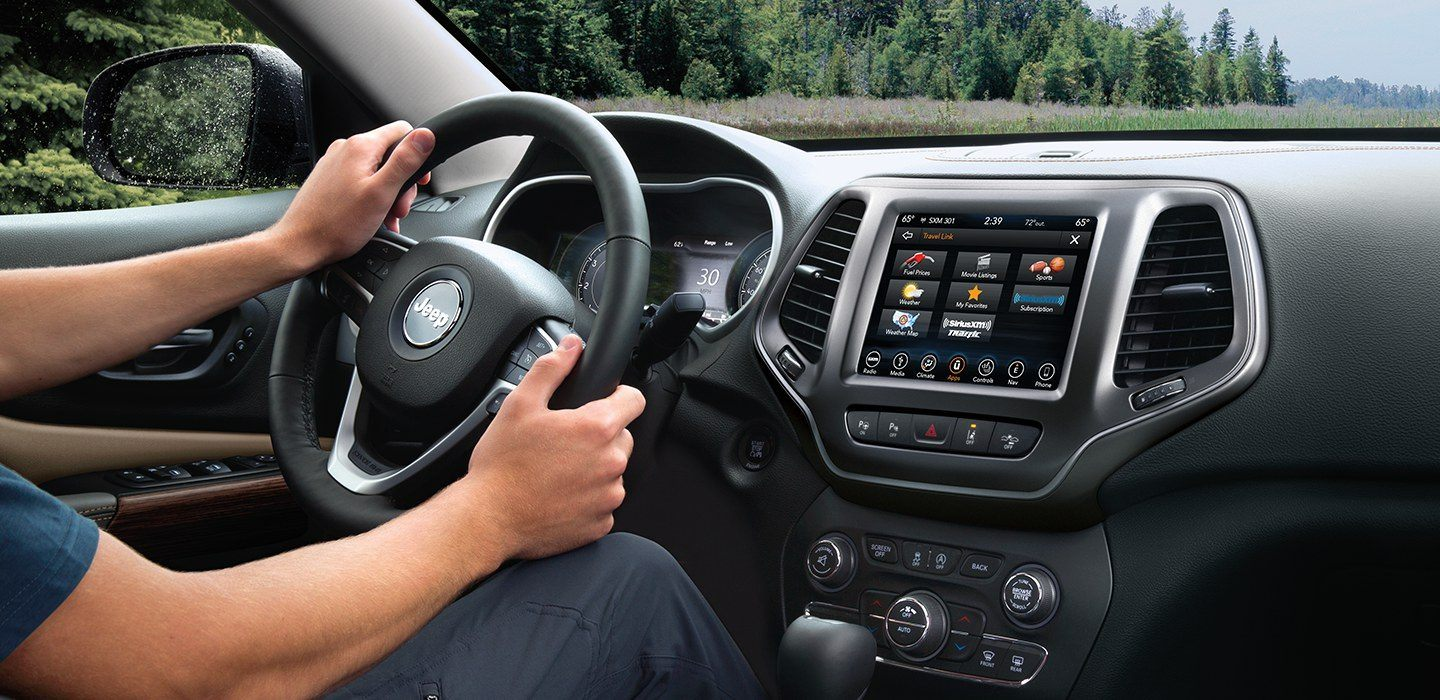 Interior of the 2019 Jeep Cherokee