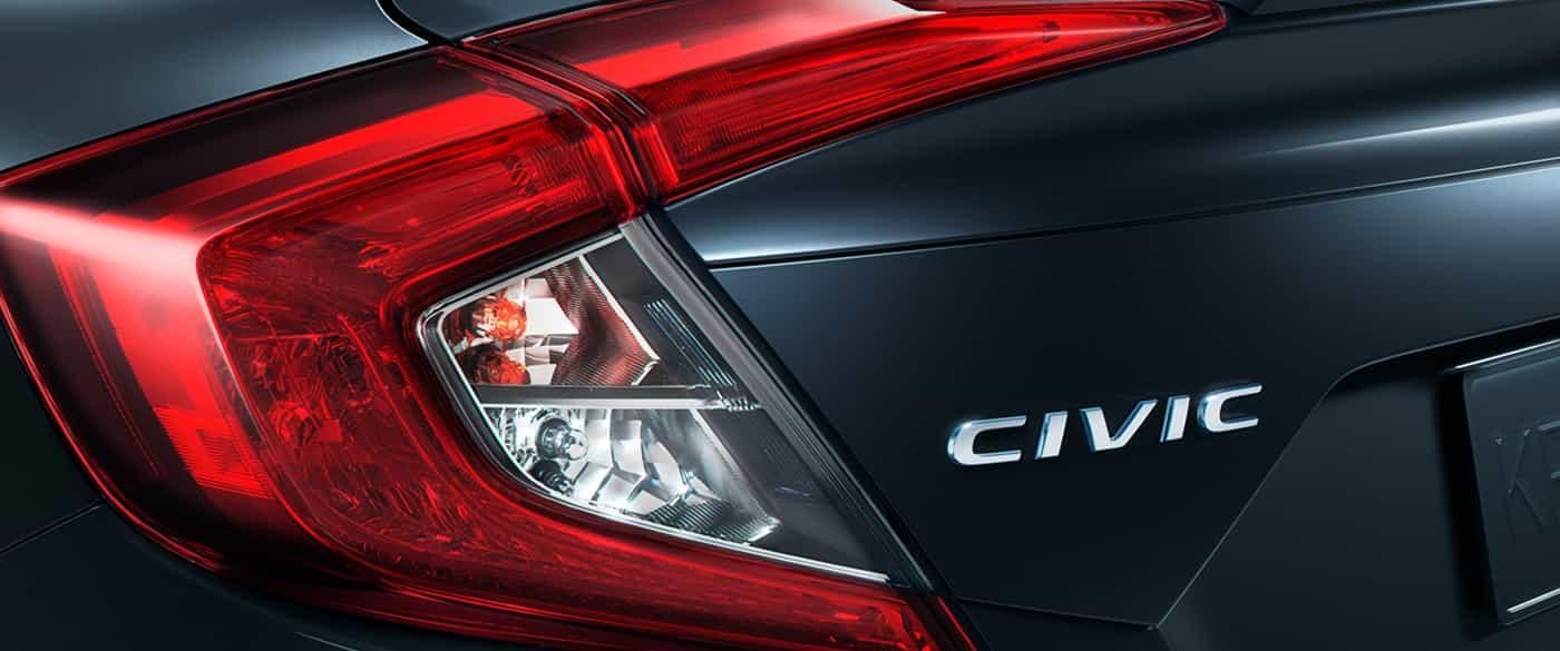 """Las luces traseras en forma de """"C"""" que le dan personalidad al Honda Civic 2019"""