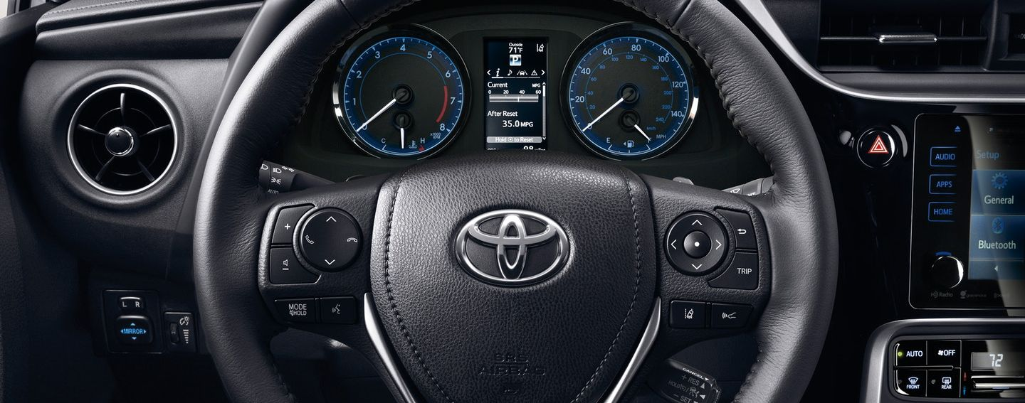Cabin Features in the 2019 Corolla