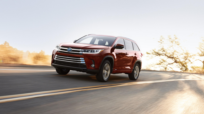 2019 Toyota Highlander vs 2019 Ford Escape in New Castle, DE