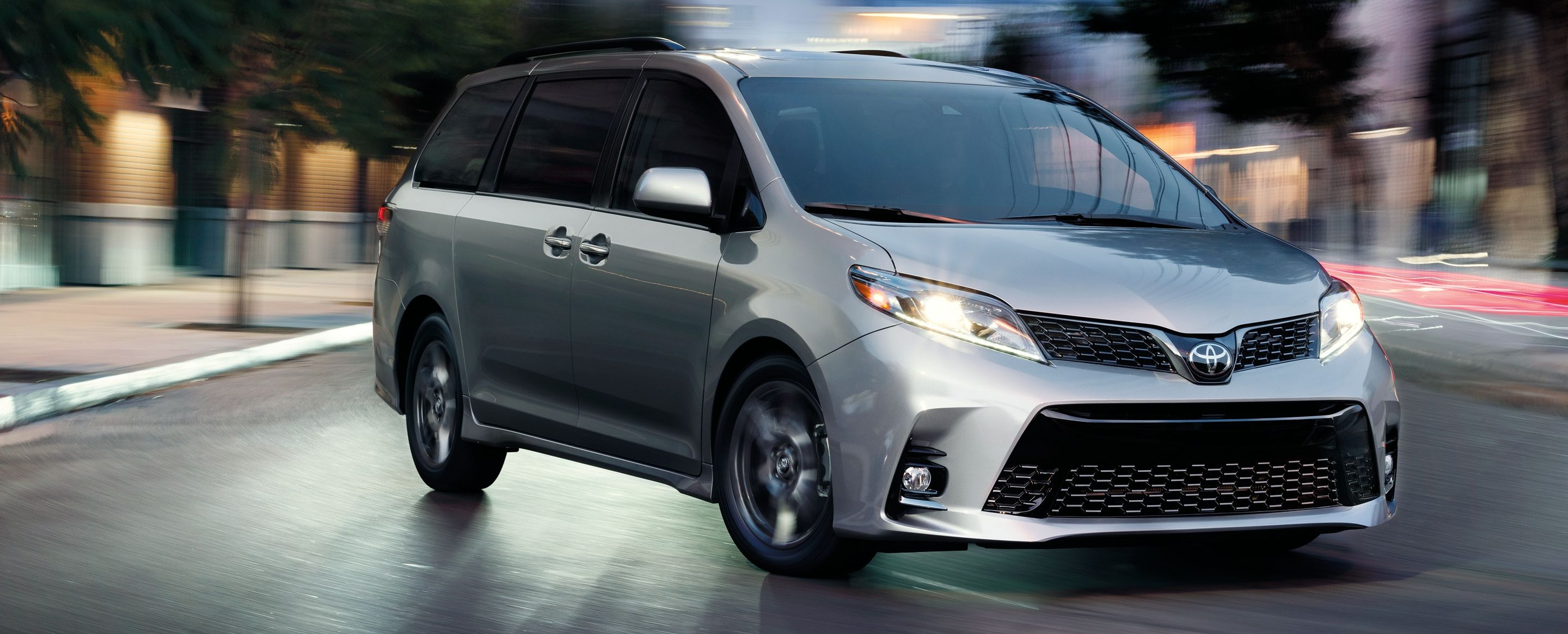 2019 Toyota Sienna Leasing near Des Moines, IA