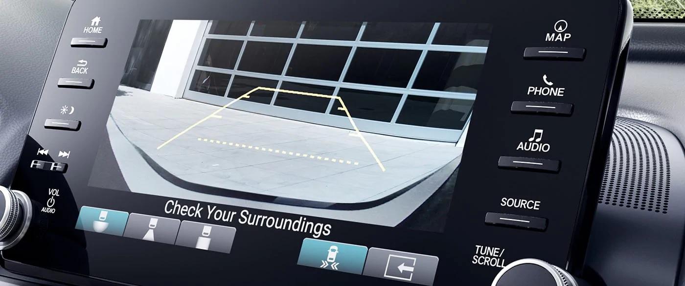 El monitor de tránsito cruzado opcional en el Honda Accord 2019
