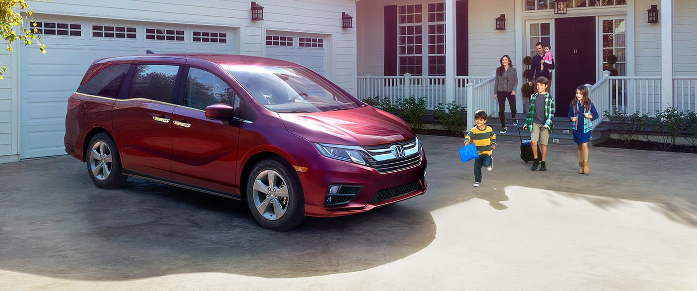 2019 Honda Odyssey vs 2019 Dodge Grand Caravan in Dover, DE