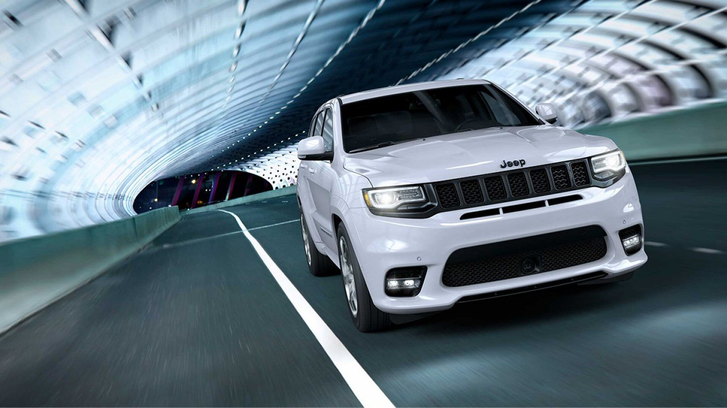 2019 Jeep Grand Cherokee vs 2019 Ford Explorer in Englewood Cliffs, NJ