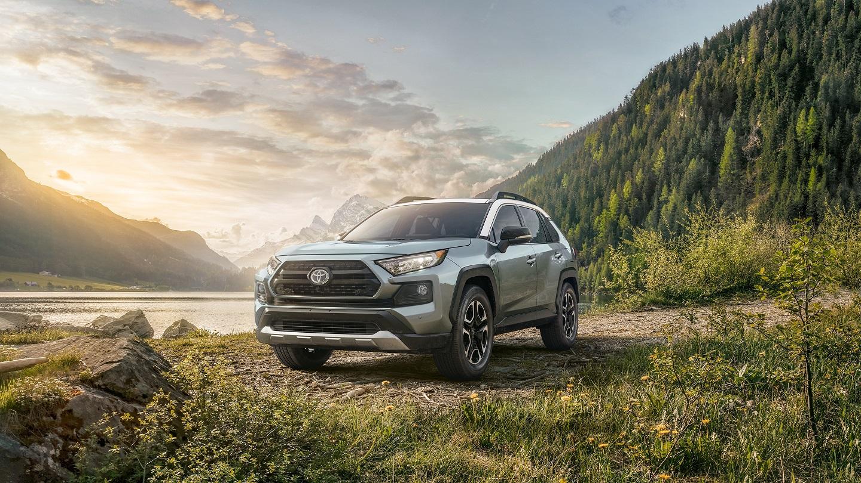 2019 Toyota RAV4 v 2019 Ford Escape in Kansas City, MO