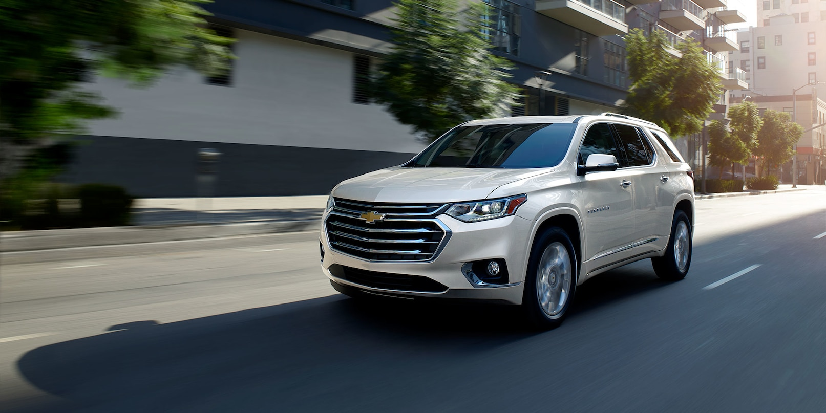 2019 Toyota Highlander vs 2019 Chevrolet Traverse in ...