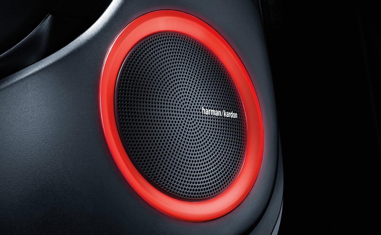 Sistema de audio con iluminación ambiental disponible para tu Soul.