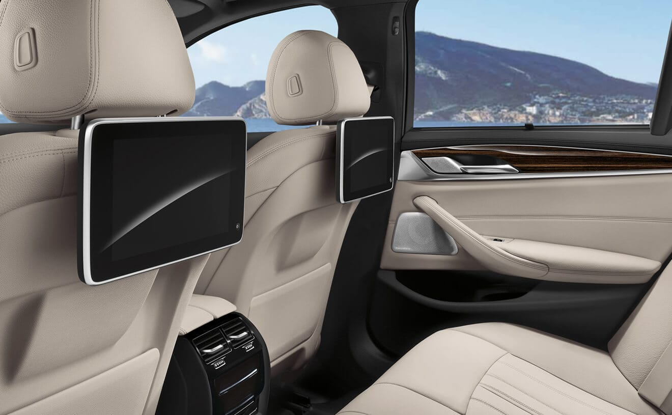 Rear Entertainment Options in the 2019 5 Series