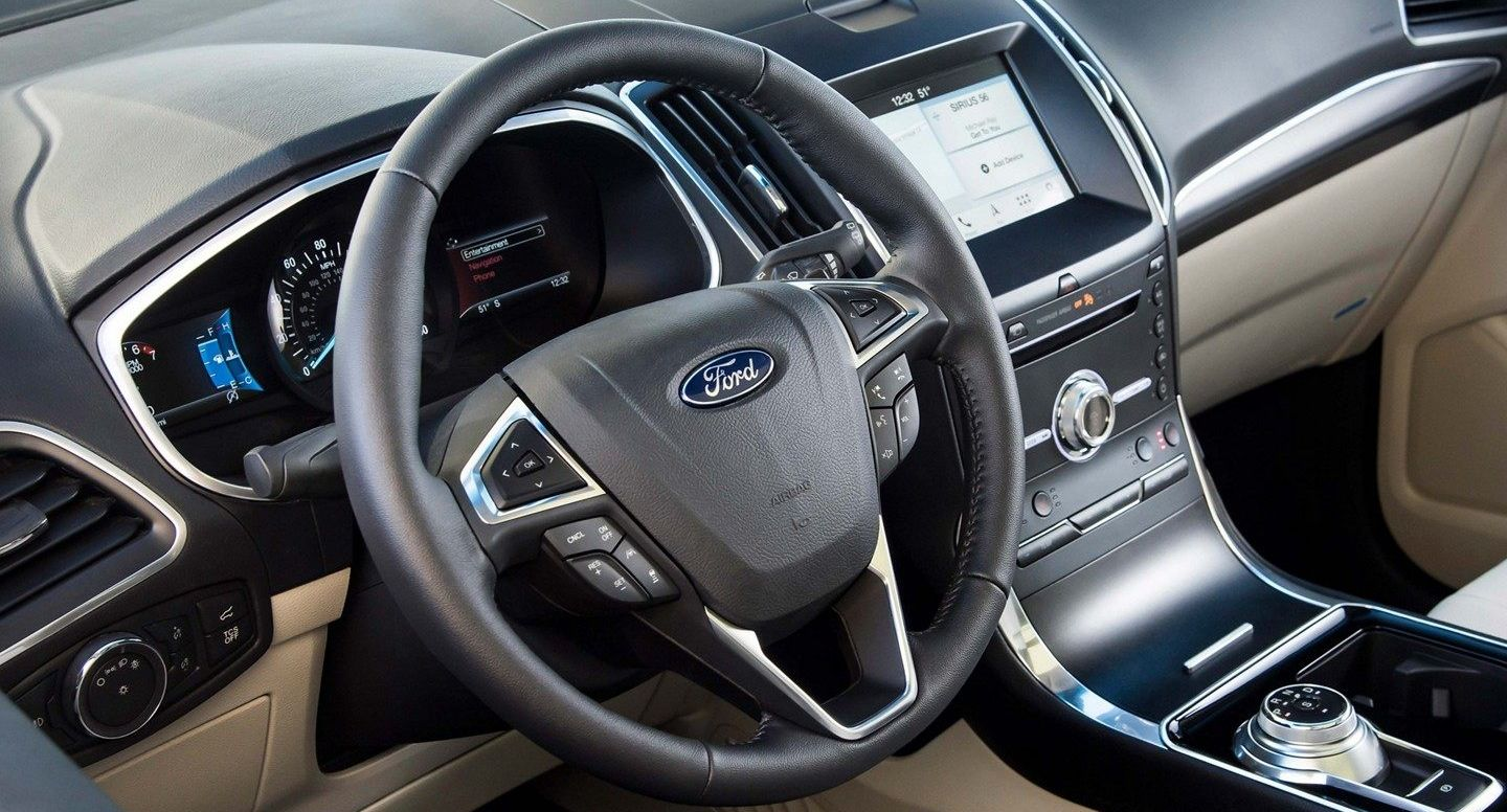 2019 Ford Edge Cockpit