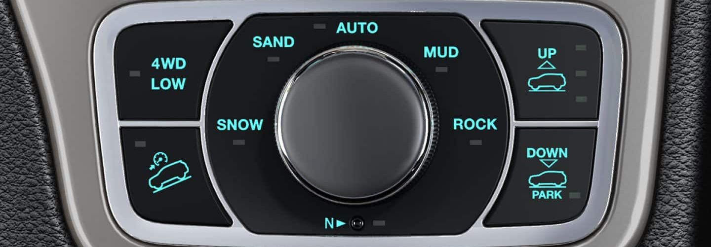 Drive Select Modes in the 2019 Grand Cherokee