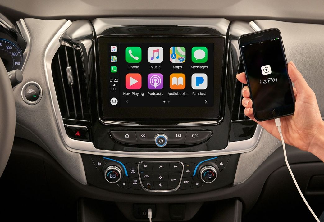 Sistema de infoentretenimiento compatible con Apple CarPlay y Android Auto.