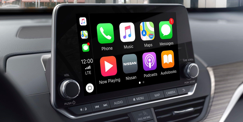 Apple CarPlay® in the Altima
