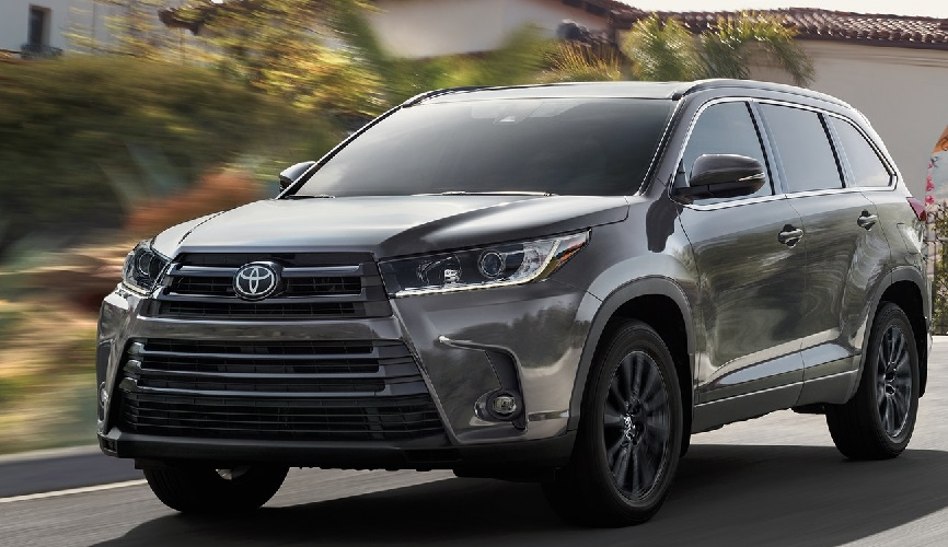 2019 Toyota Highlander vs 2019 Nissan Pathfinder in Kansas City, OK