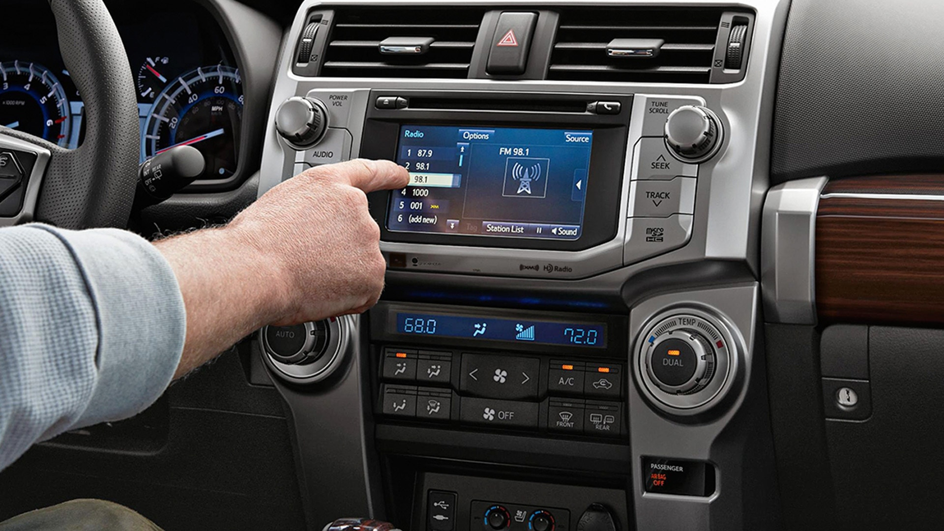 Touchscreen Display in the 2019 4Runner