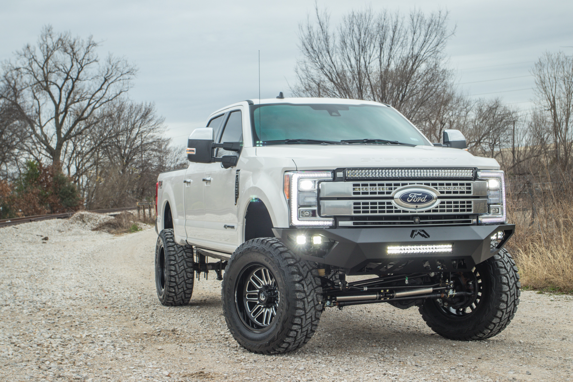 Lifted Ford F250 >> 2019 Ford F 250 Platinum With Fabtech 6 Inch Lift Dirt Logic