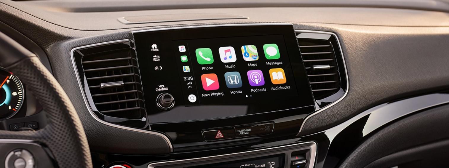 Apple CarPlay in the 2019 Passport