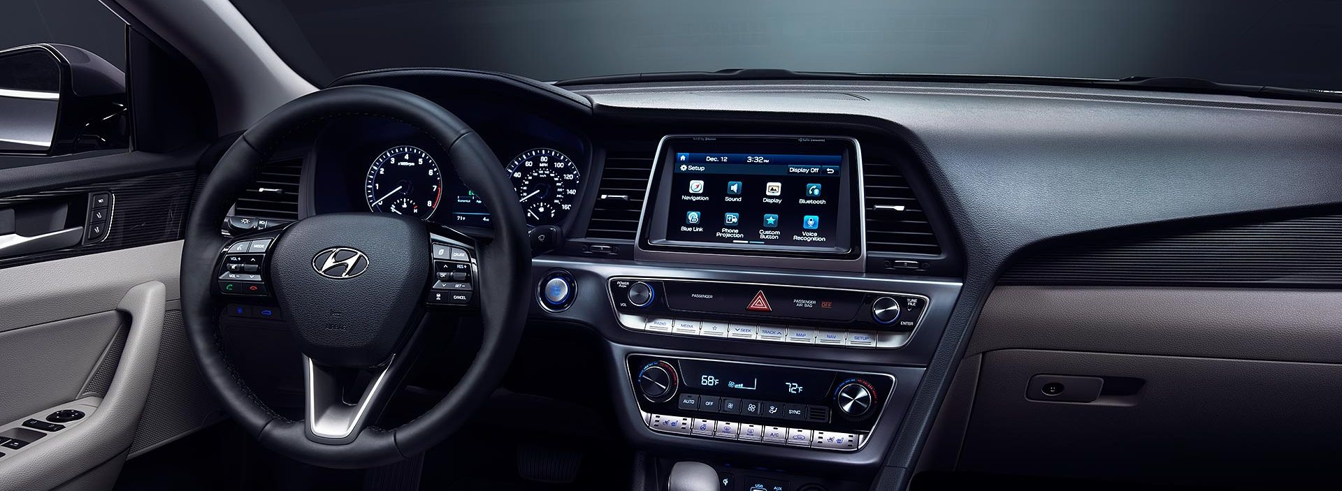 Tech-Loaded Interior of the 2019 Sonata