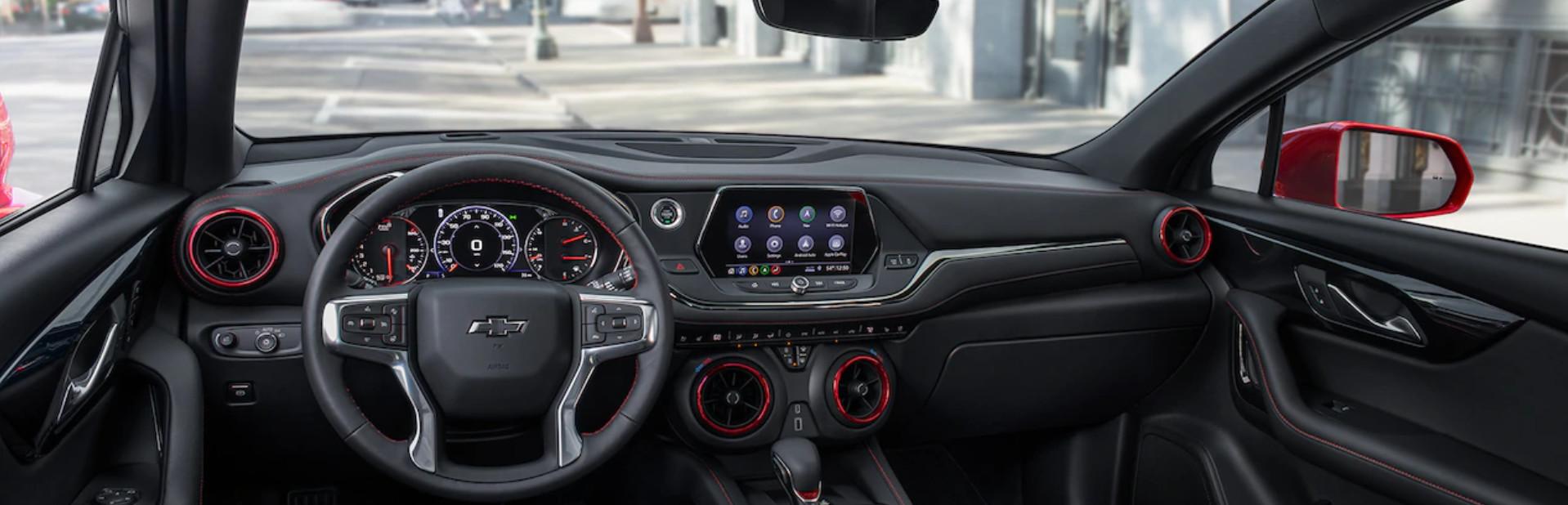 Disfruta de las numerosas funcionalidades y de cada detalle del interior de la Blazer.