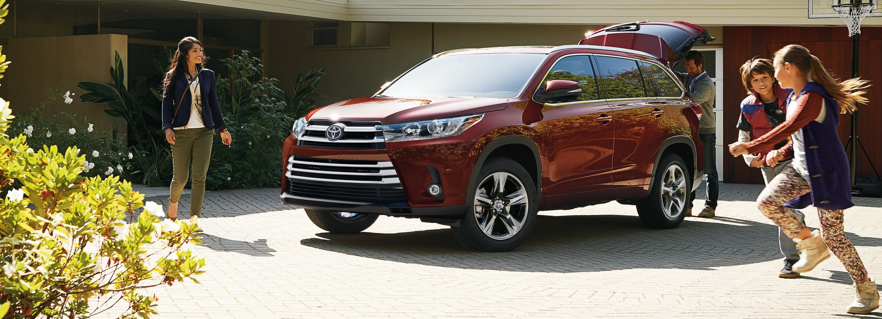 2019 Toyota Highlander Financing near Oak Brook, IL