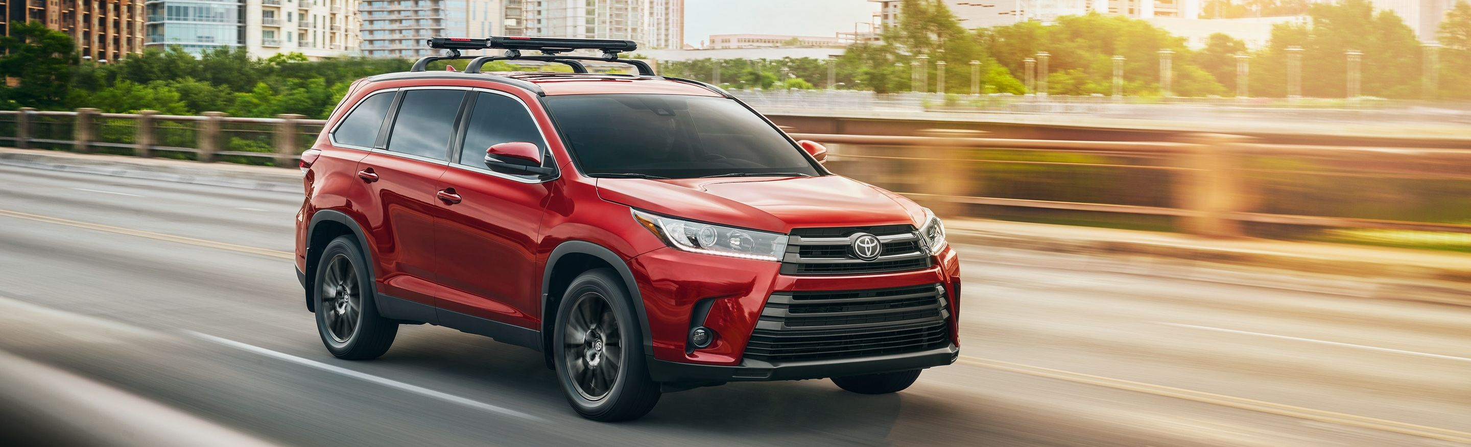 2019 Toyota Highlander vs 2019 Chevrolet Traverse near Glen Mills, PA