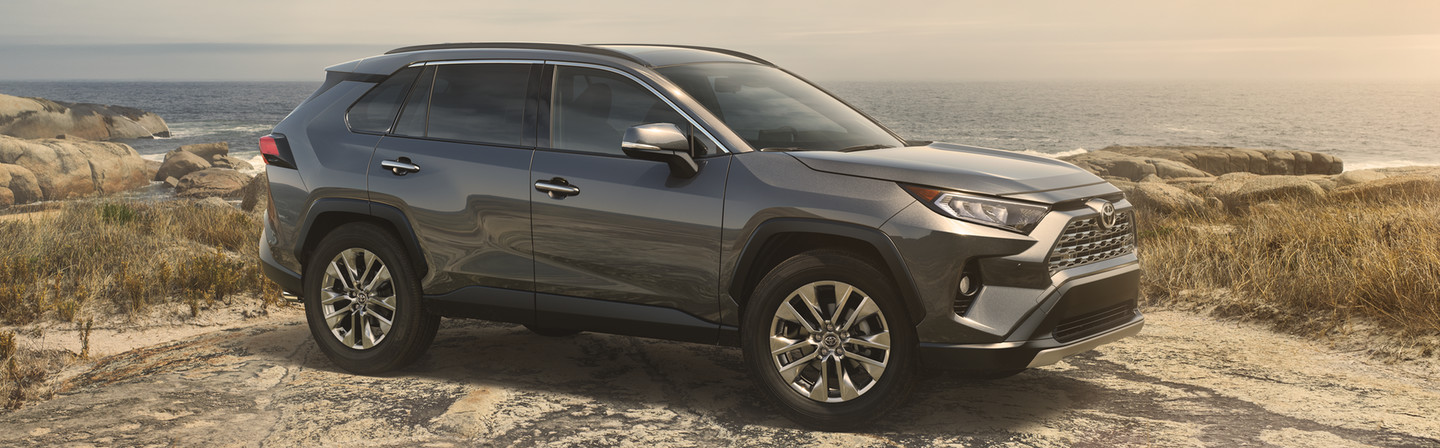 2019 Toyota RAV4 vs 2019 Chevrolet Equinox near Glen Mills, PA
