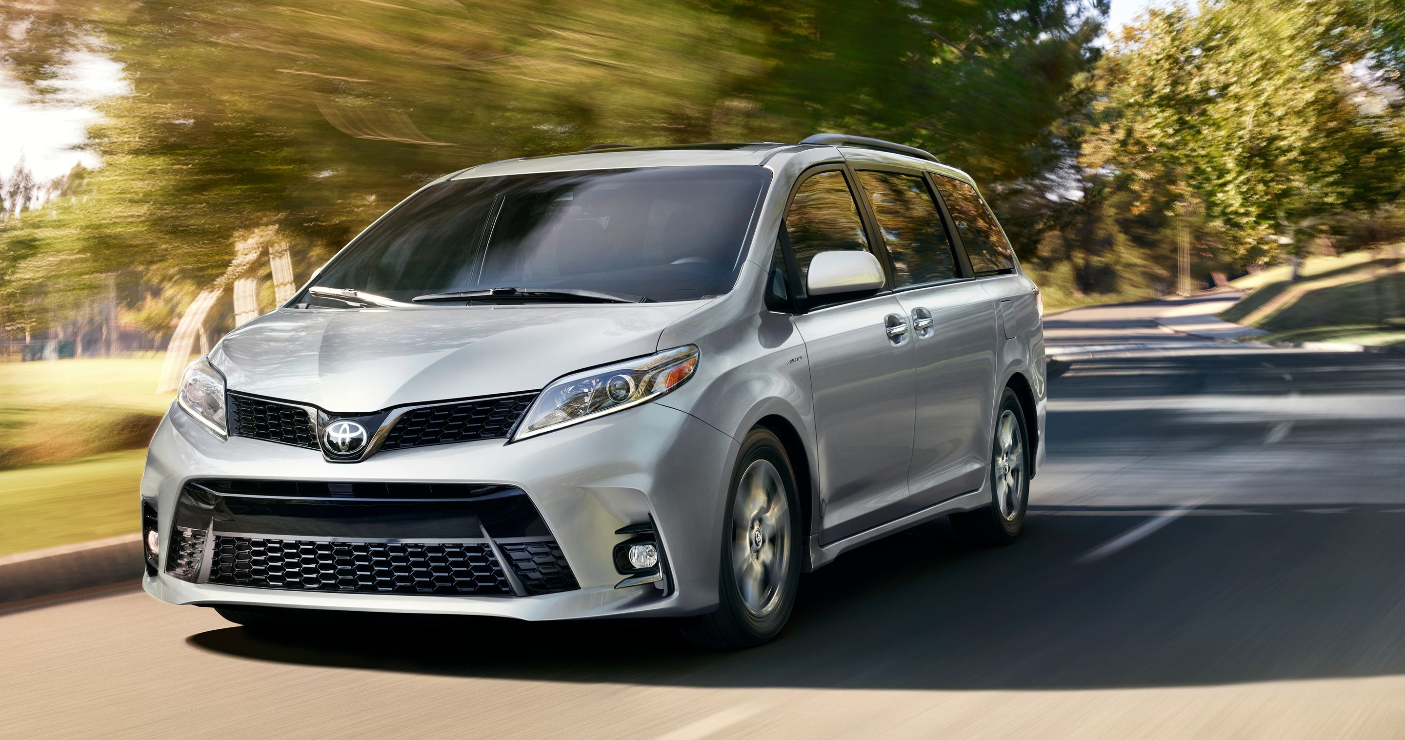 2019 Toyota Sienna Leasing near Cleveland, OH
