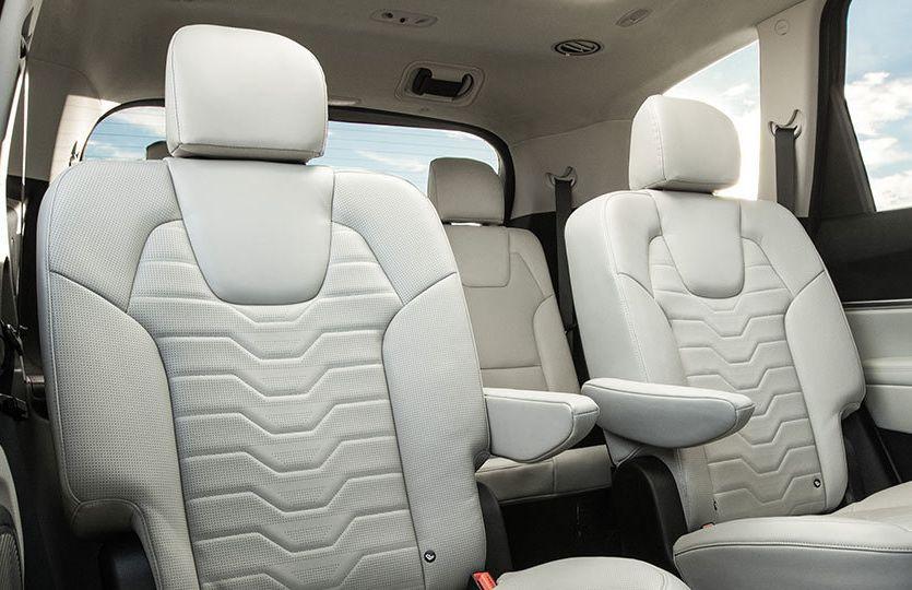 Interior con sillas en cuero Nappa acolchonado del Kia Telluride 2020