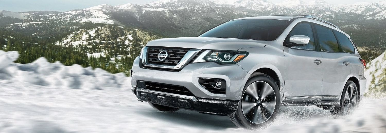 2019 Nissan Pathfinder vs 2019 Toyota Highlander near