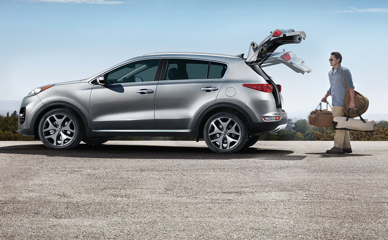 Smart Power Liftgate™ del Kia Sportage EX 2019 con paquete de Technology