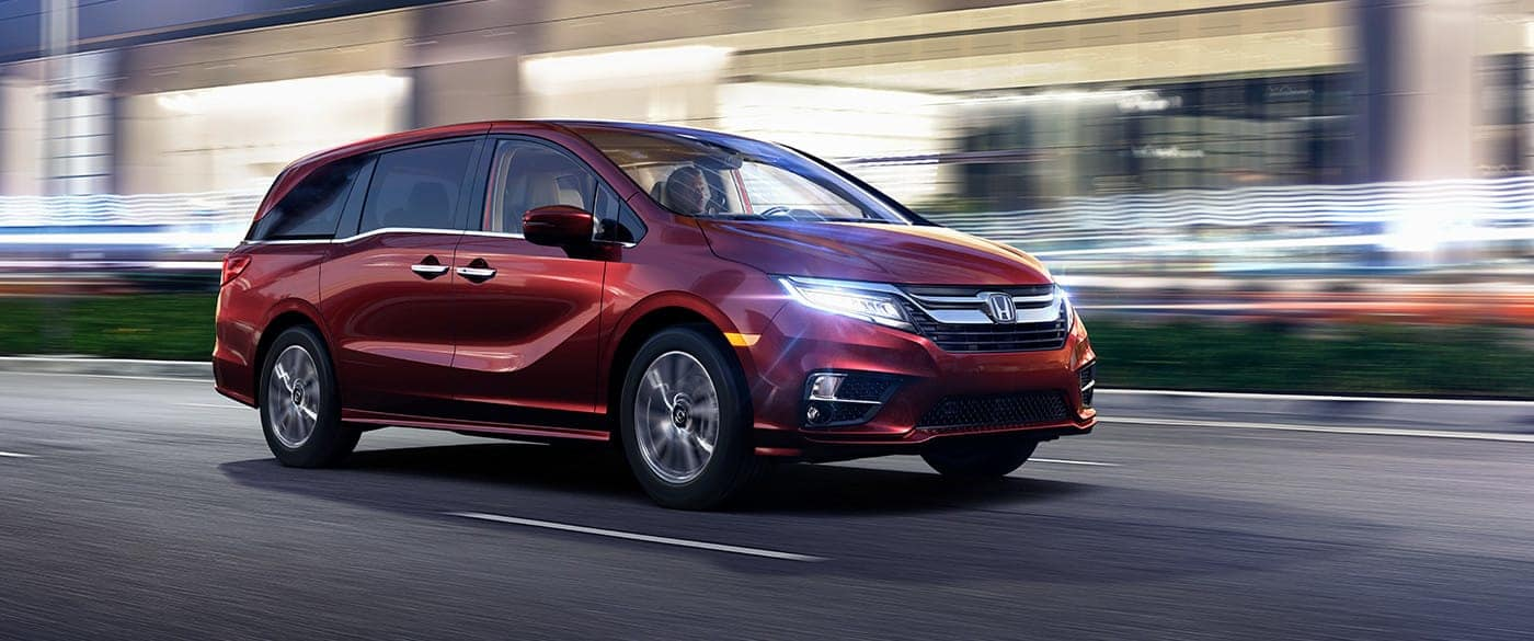 2019 Honda Odyssey vs 2019 Dodge Grand Caravan in Smyrna, DE - Price