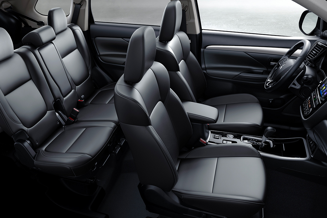 Interior of the 2019 Mitsubishi Outlander