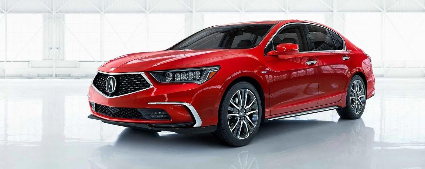 El vehículo que se muestra es el Acura RLX Sport Hybrid 2019 color Brilliant Red Metallic con equipamientos opcionales