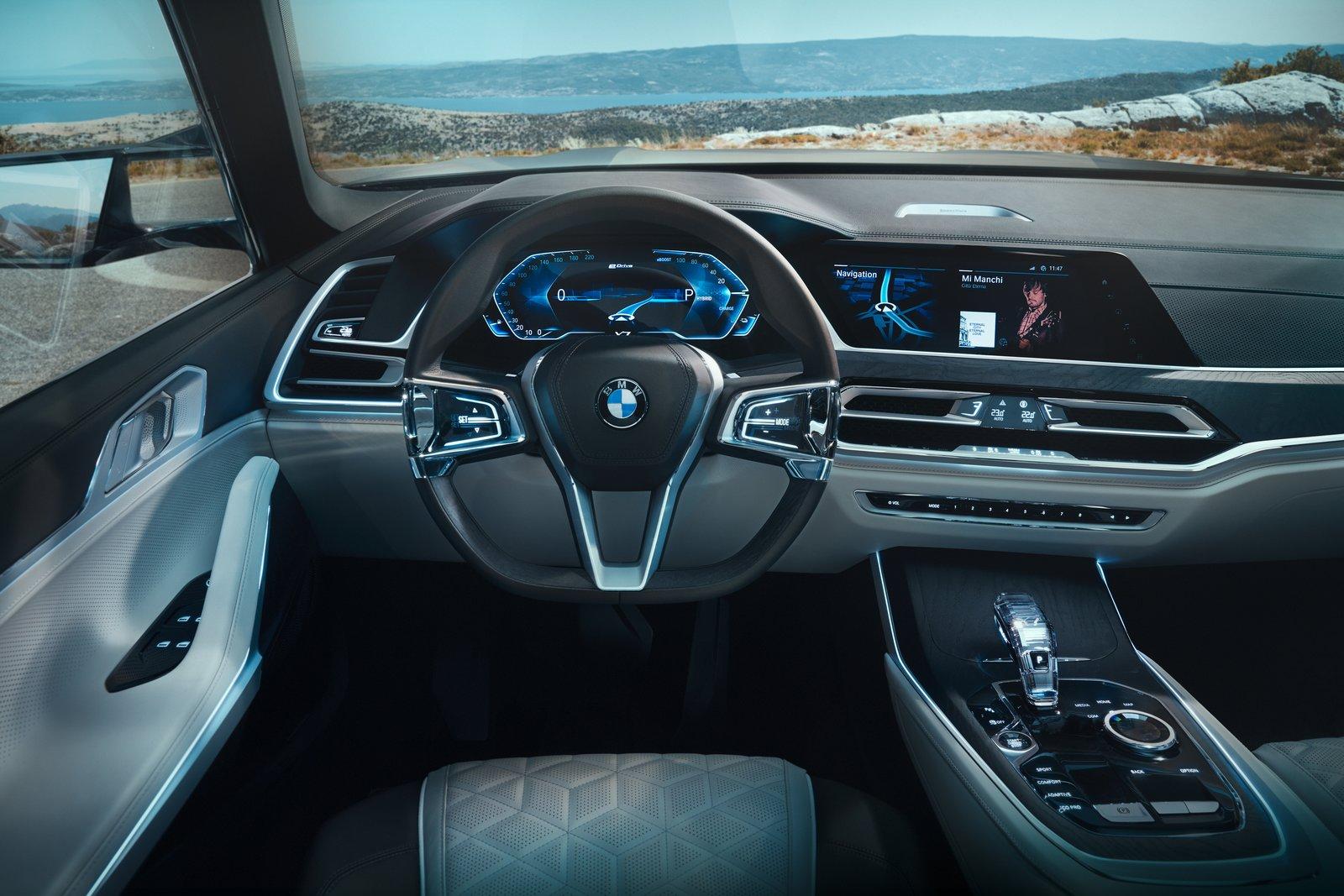 2019 BMW X7 Cockpit