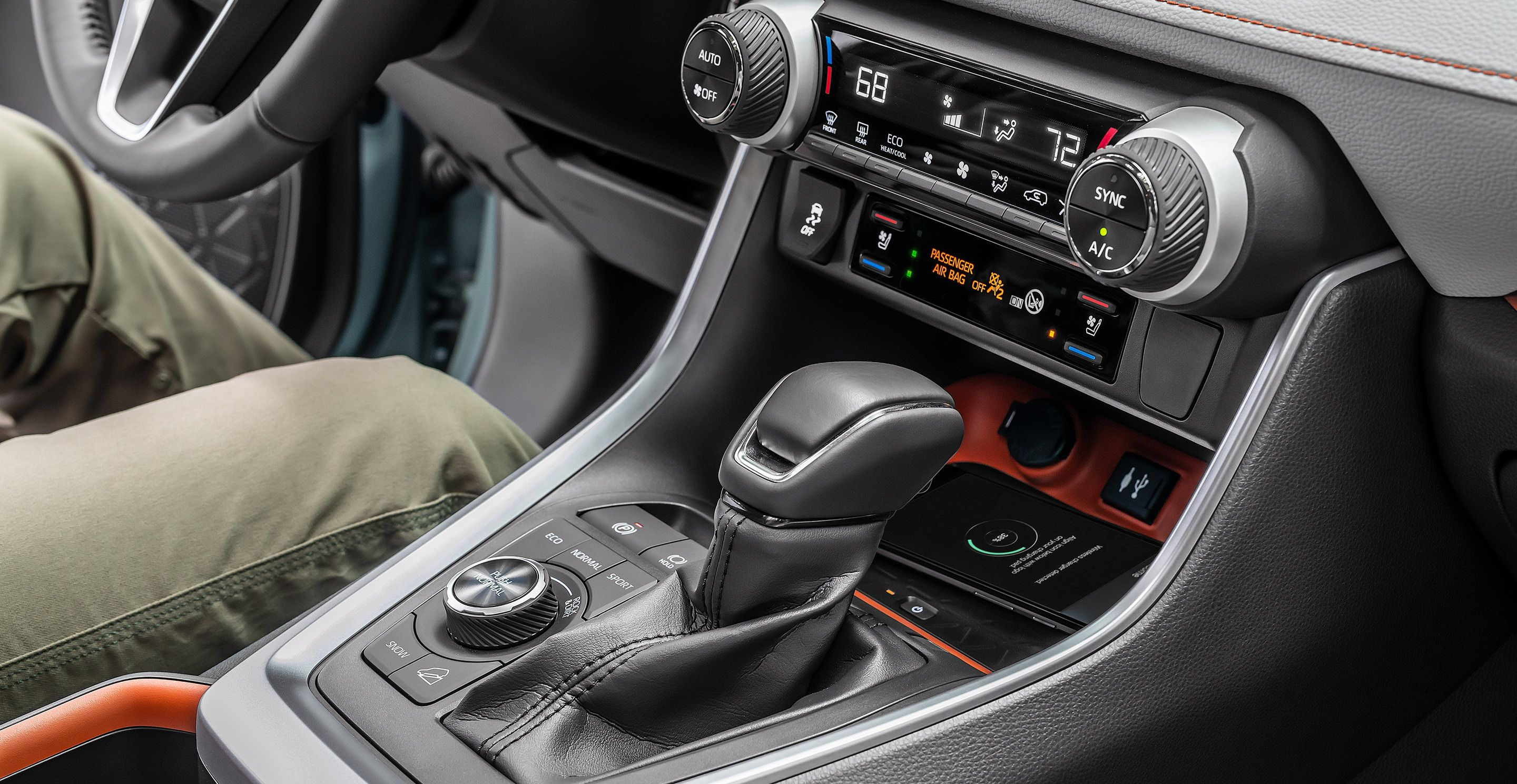 Driving Controls in the 2019 Toyota RAV4
