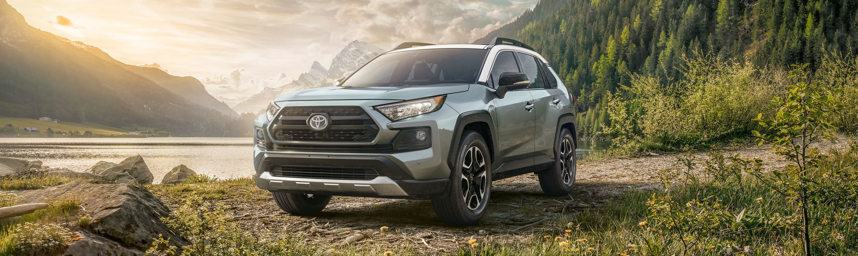2019 Toyota RAV4 Financing near Stamford, CT