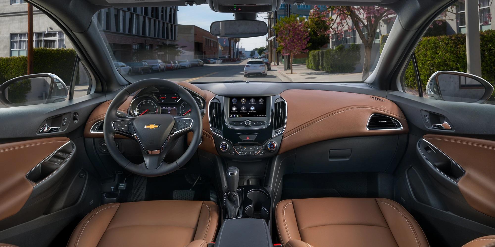 El Chevrolet Cruze 2019 tiene un interior cómodo y muy elegante