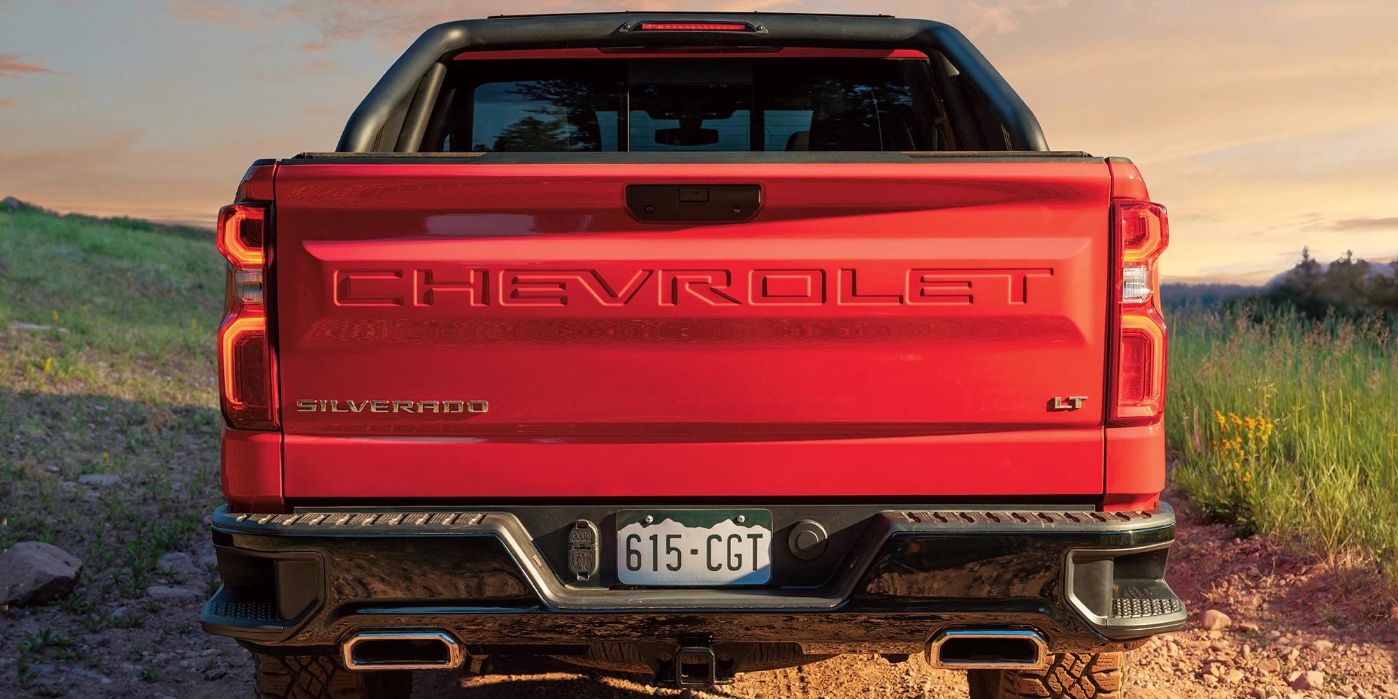 Chevy Silverado 1500 LT Trail Boss 2019 de cabina extendida y caja corta color Rojo Fuego