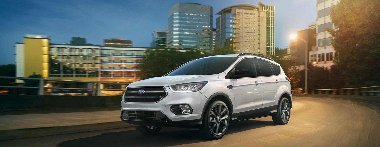 2019 Ford Edge Trim Comparison near Waukegan, IL
